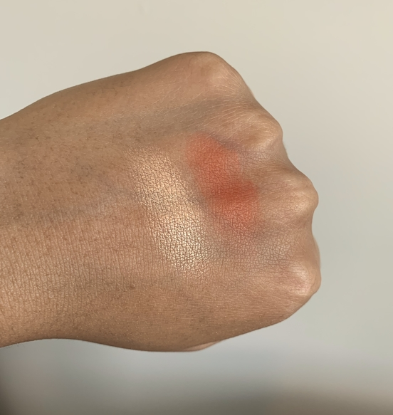 Make Up For Ever Artist Face Color swatches on dark skin (MUFE highlight H106 and MUFE Blush B402)