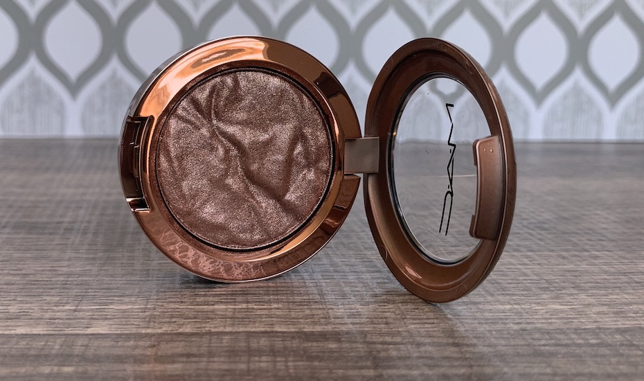 Mac Bronzer Collection Foiled Shadow in Sand Tropez