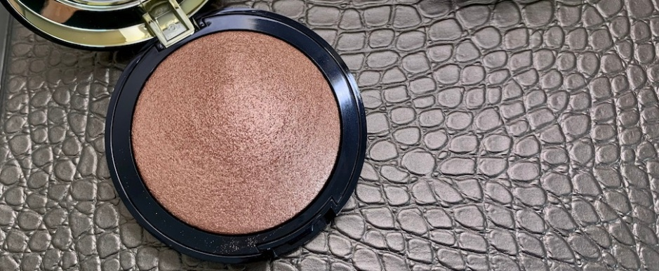 Milani Baked Highlighter 130 Rose Italiana Swatch