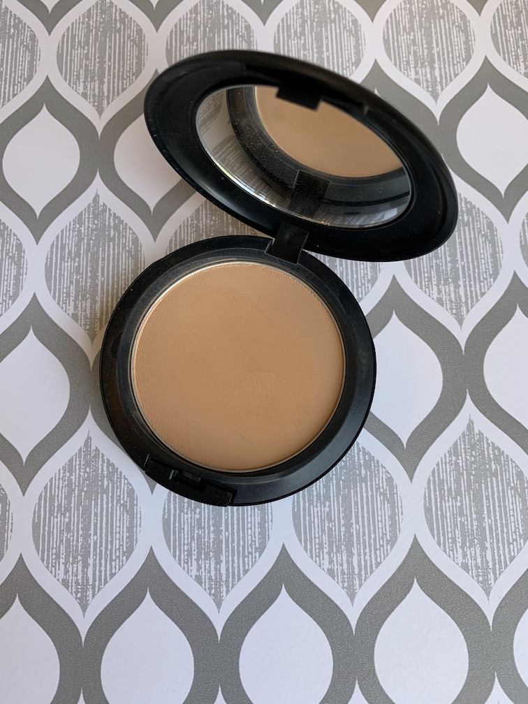 MAC Studio Fix Powder Plus Foundation in C6