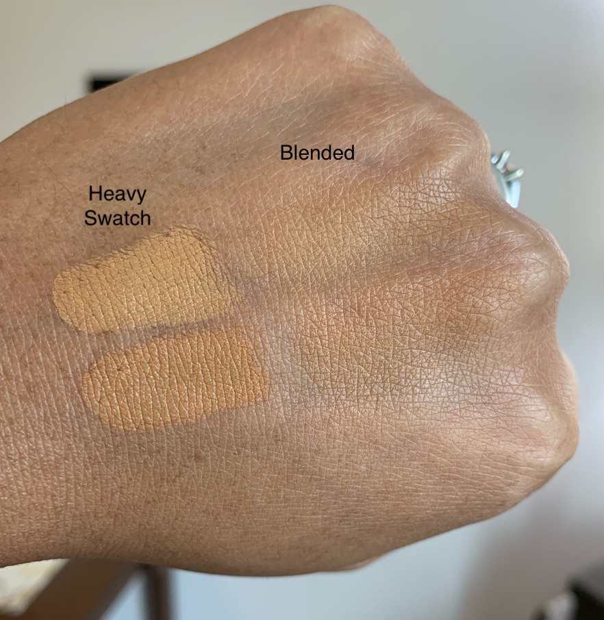 Bobbi Brown Skin Foundation Stick in golden honey (W-068/previoulsy 5.75) and golden (W-074/previously 6) Swatches