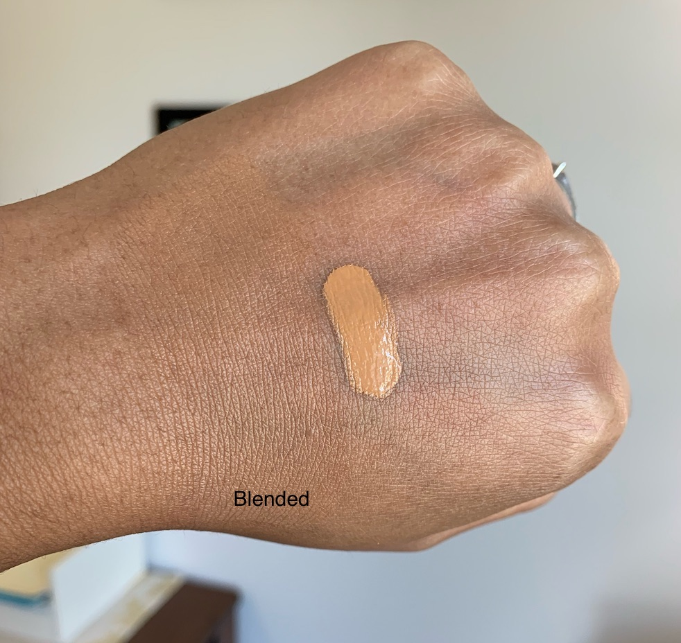 Clinique Beyond Perfecting 2 in 1 Foundation plus Concealer WN 82 Latte Swatch
