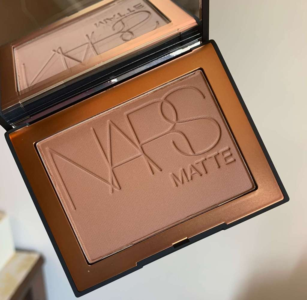 NARS Matte Bronzing Powder in Samoa