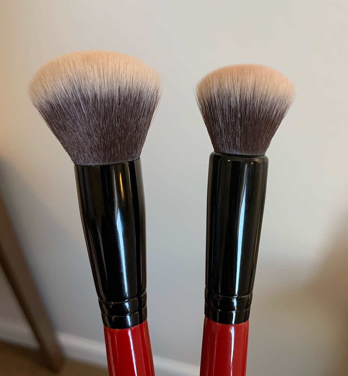 Smashbox Brushes Review (blurring foundation and cream cheek)