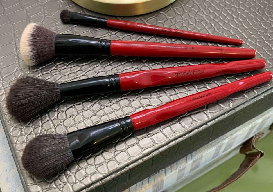 Smashbox Brushes Review (blurring foundation, buildable cheek, precise blush, full coverage shadow)