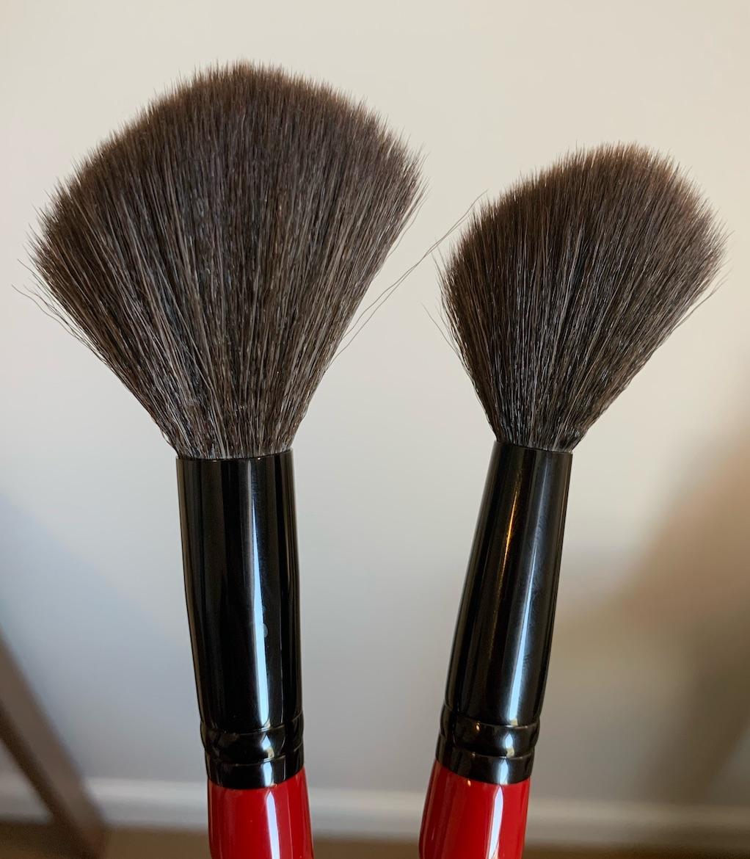 Smashbox sheer powder brush and buildable cheek brush review