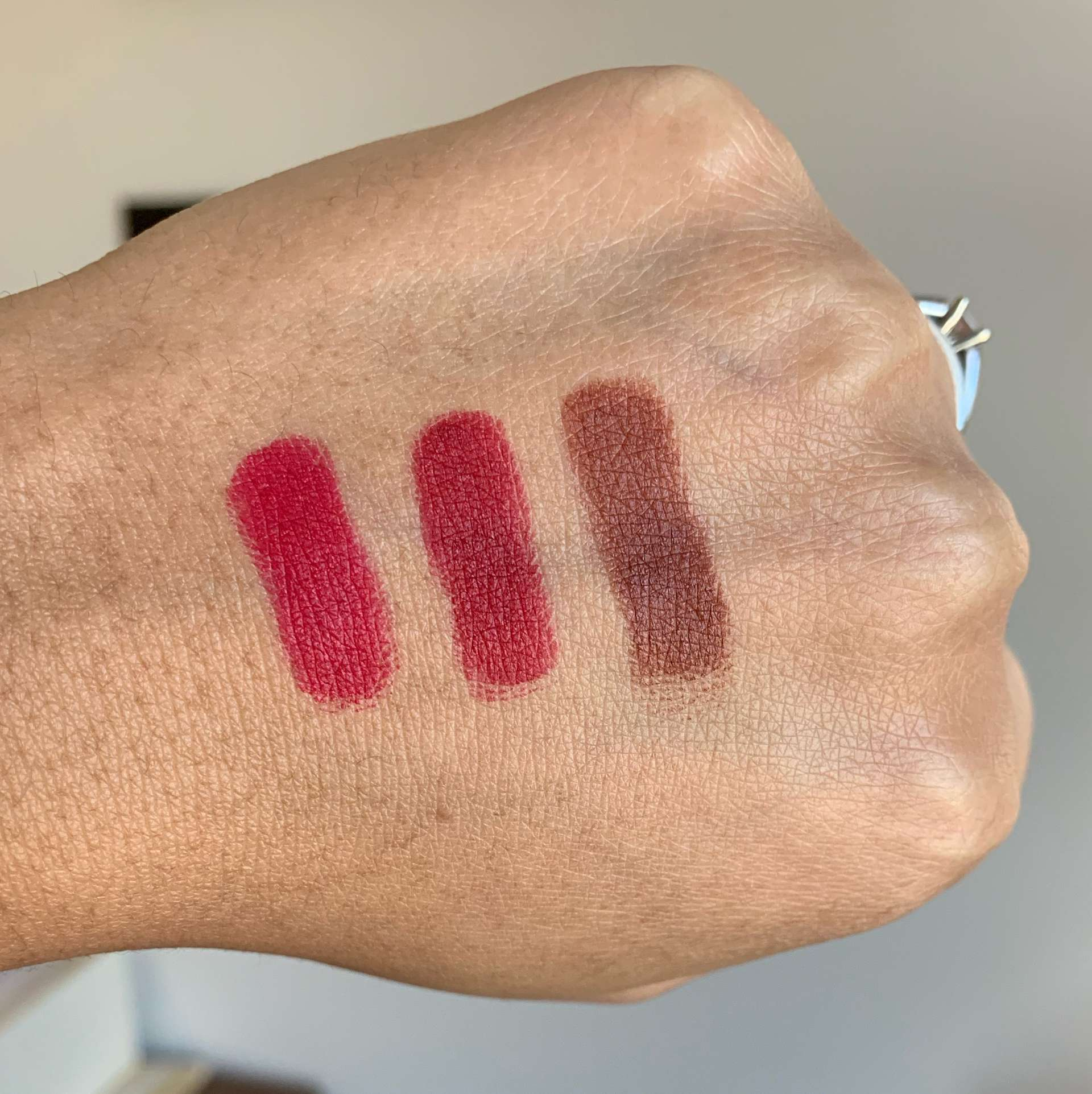 Chanel Rouge Allure Velvet Extreme Lipstick Swatches (114 epitome, 116 extreme, 122 chestnut)