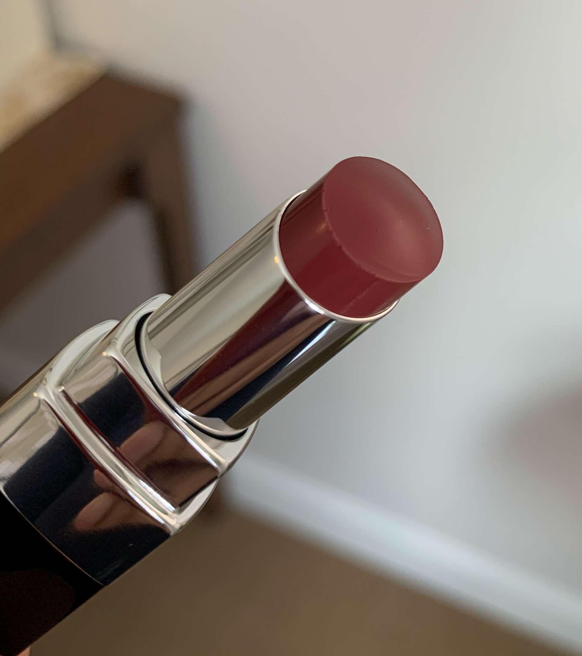 Chanel Rouge Coco Bloom 114 Glow swatch dark skin