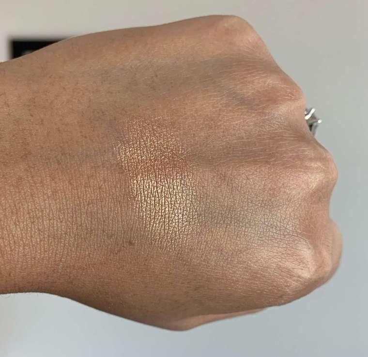 Makeup Geek Highlighter Sunlight Swatch dark skin