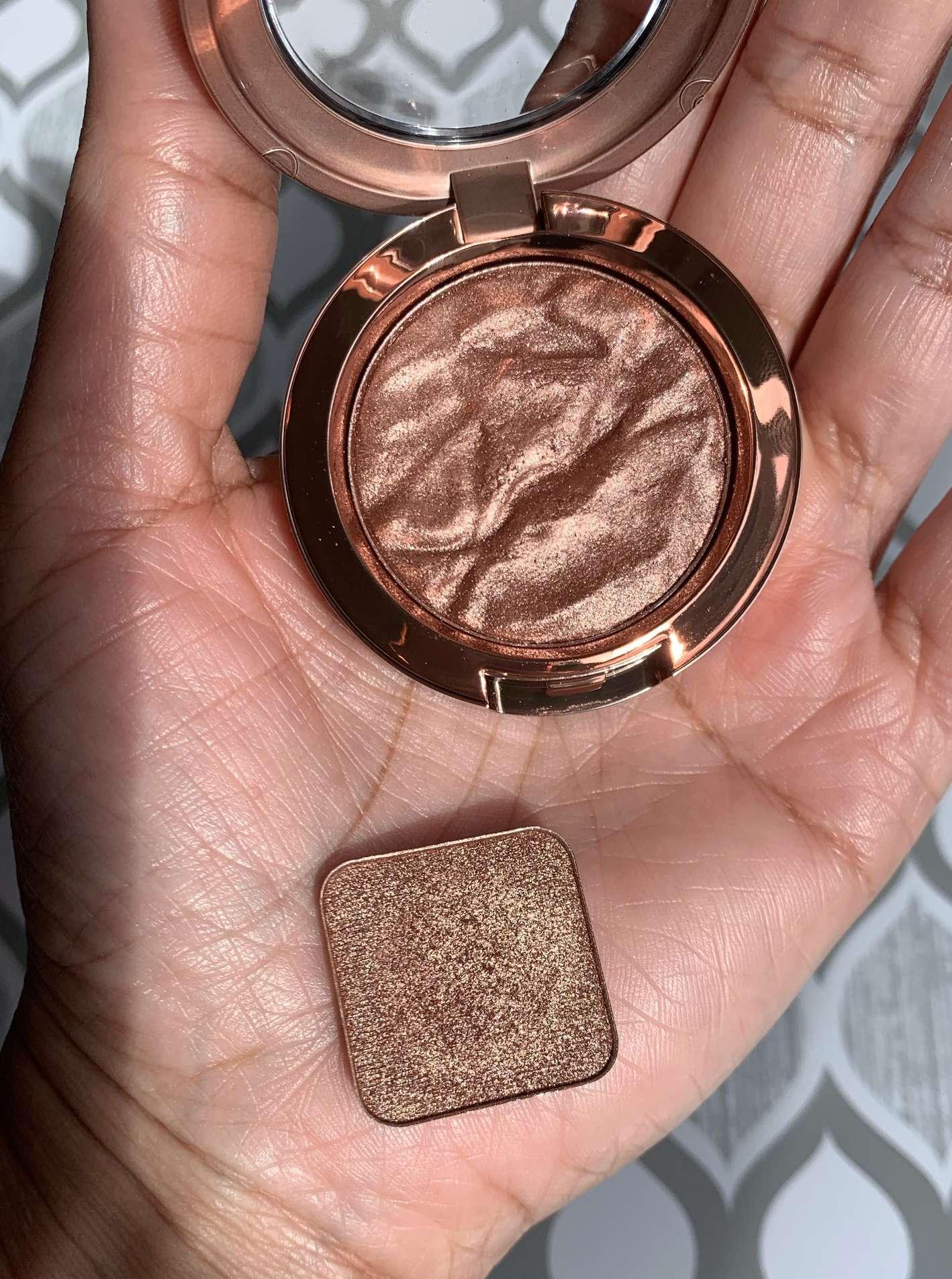 MAC Sand Tropez Foiled Eyeshadow vs Makeup Geek Grandstand Foiled Eyeshadow Swatches
