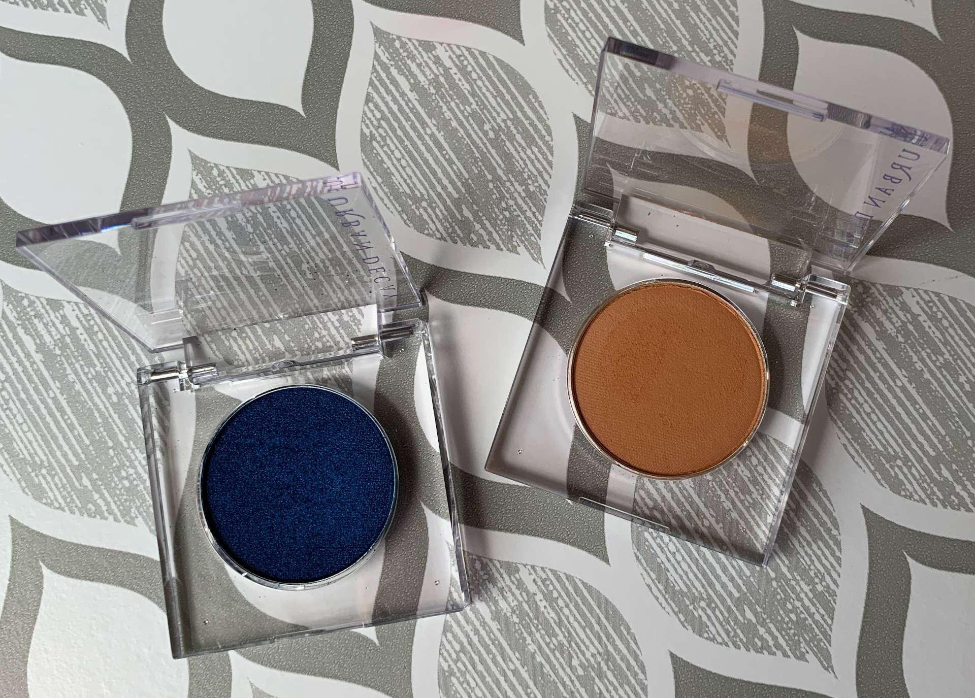 Urban Decay 24/7 Eyeshadow (Charged and Fazed Swatches)