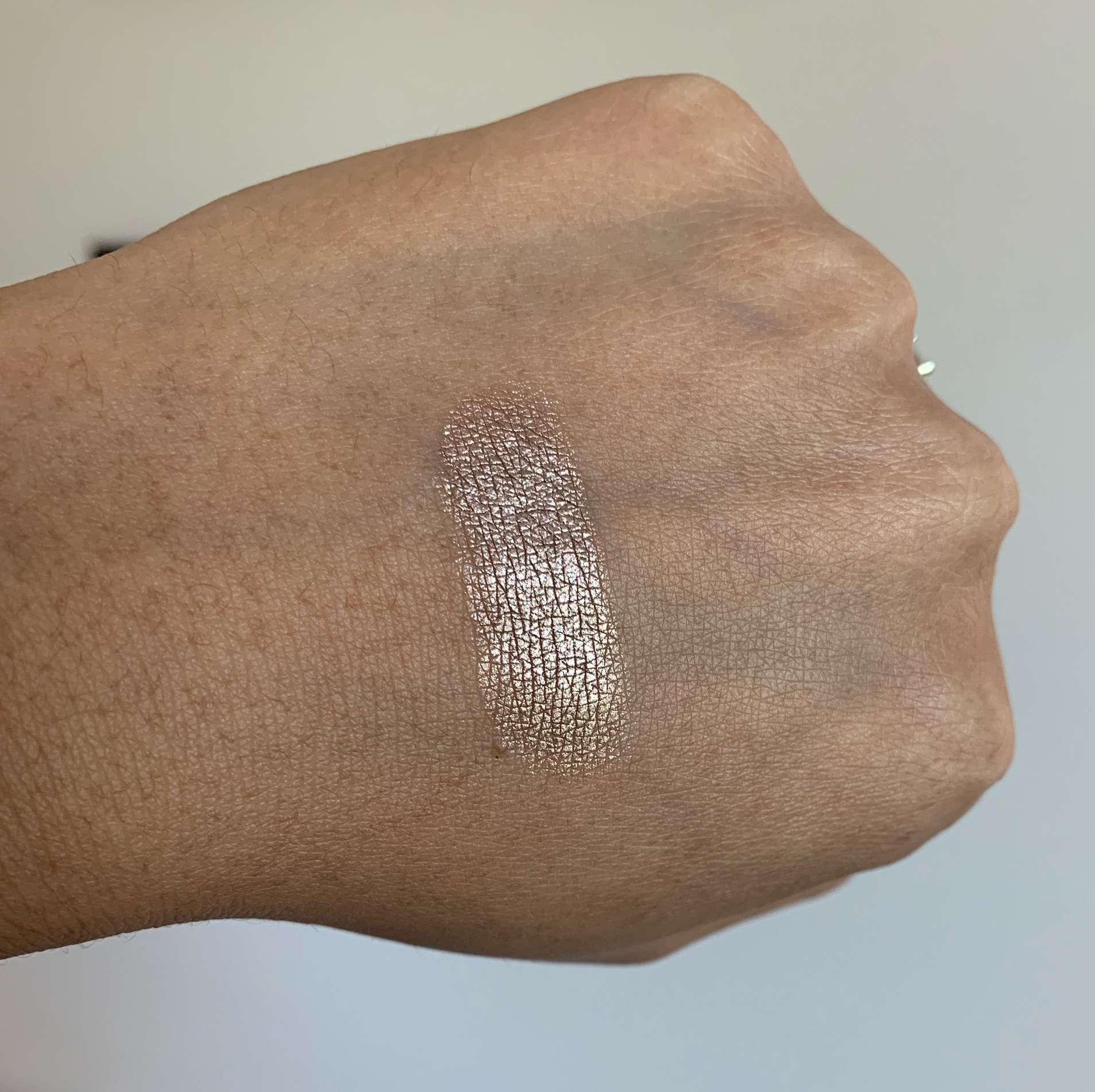 L'Oreal Infallible 24HR Eyeshadow 890 Bronzed Taupe Swatch on Medium Dark Skin