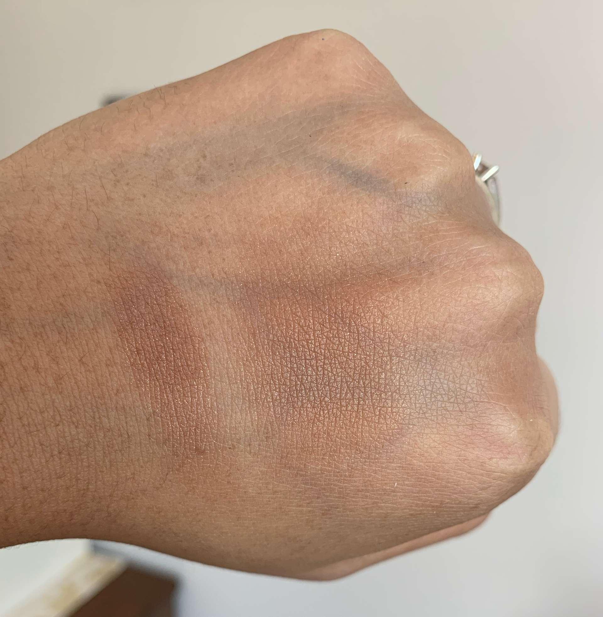 L'oreal True Match Lumi Bronzer 03 Deep Swatch on Medium Dark Skin