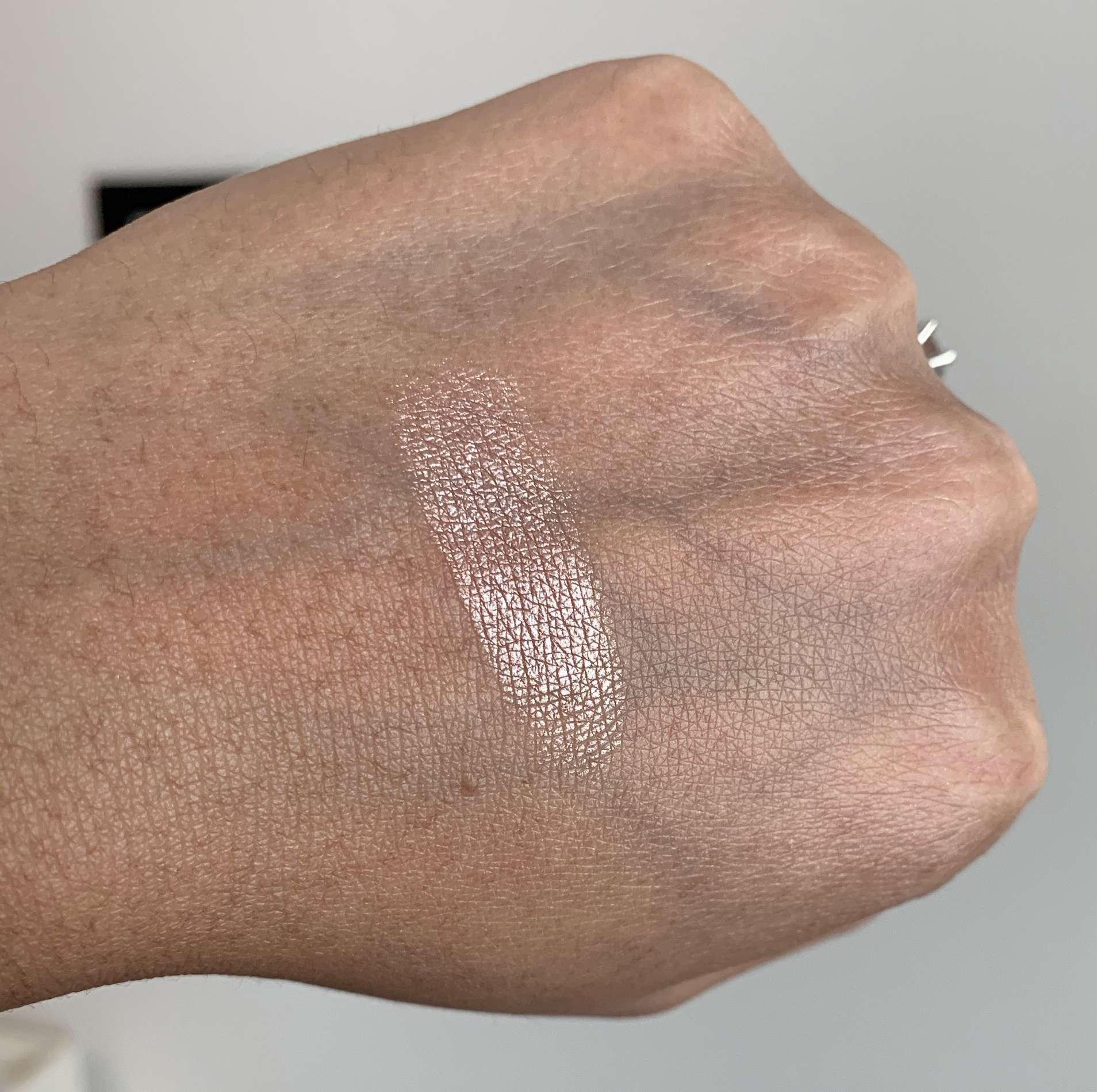 MAC Superb Extra Dimension Skinfinish Swatch on Medium Dark Skin