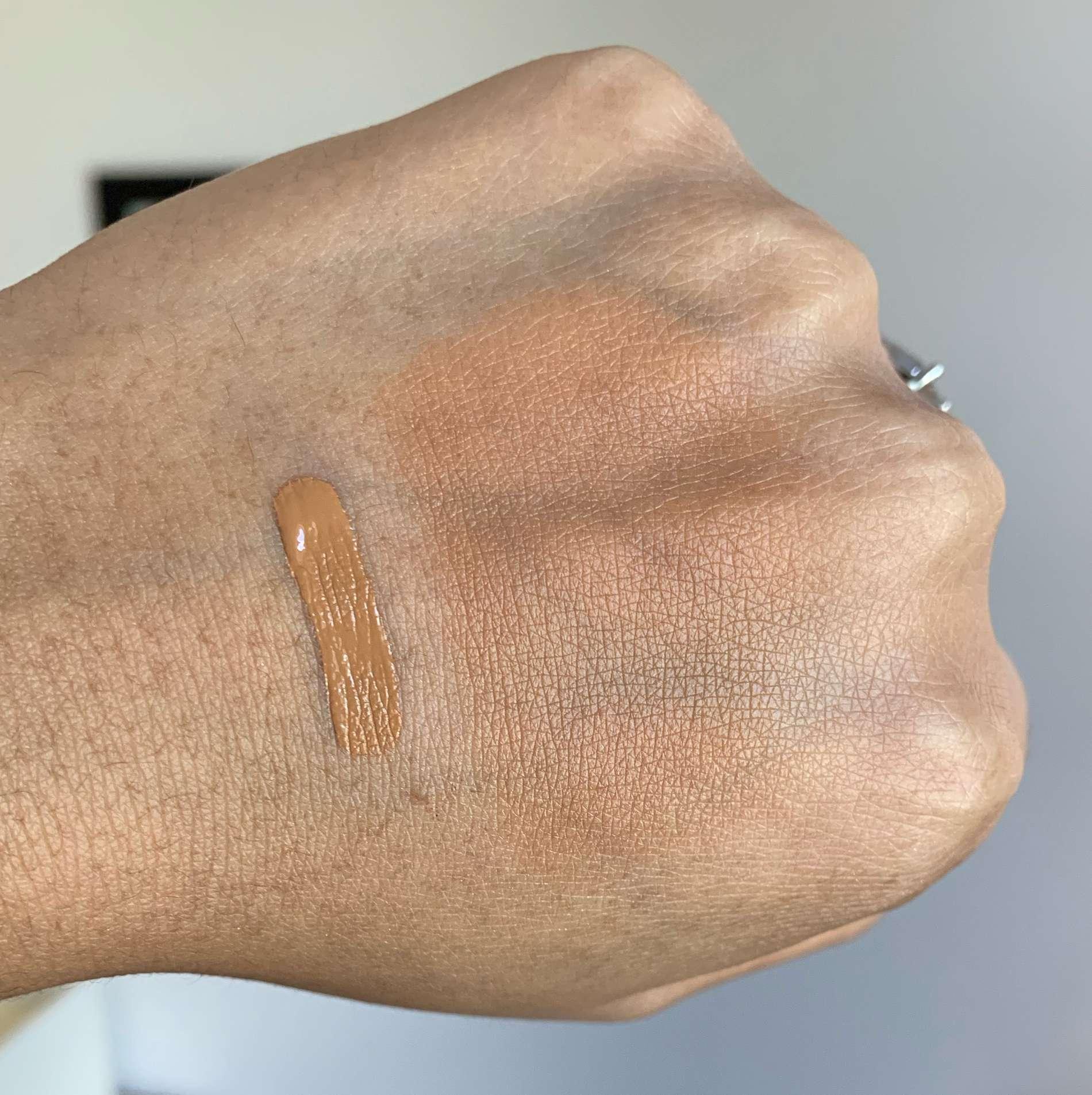 Laura Mercier Flawless Fusion Ultra-Longwear Concealer 5W Swatch on Medium Dark Skin