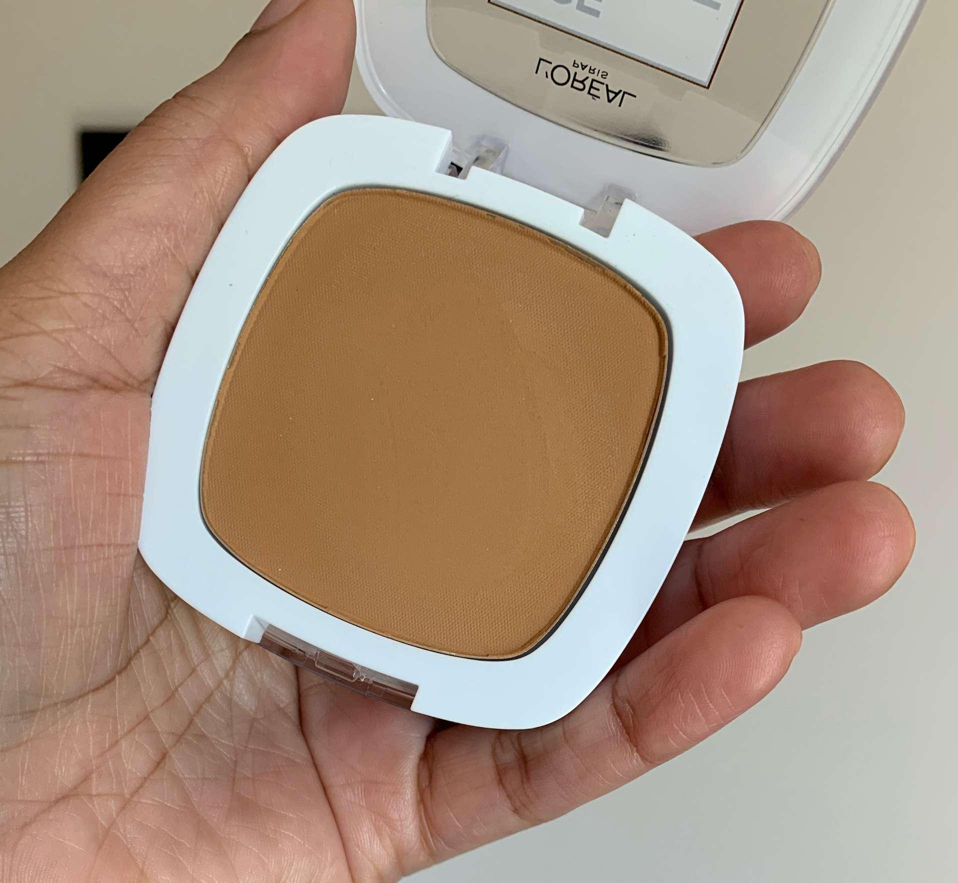 L'oreal Age Perfect Creamy Powder Foundation 340 Caramel Beige Swatch
