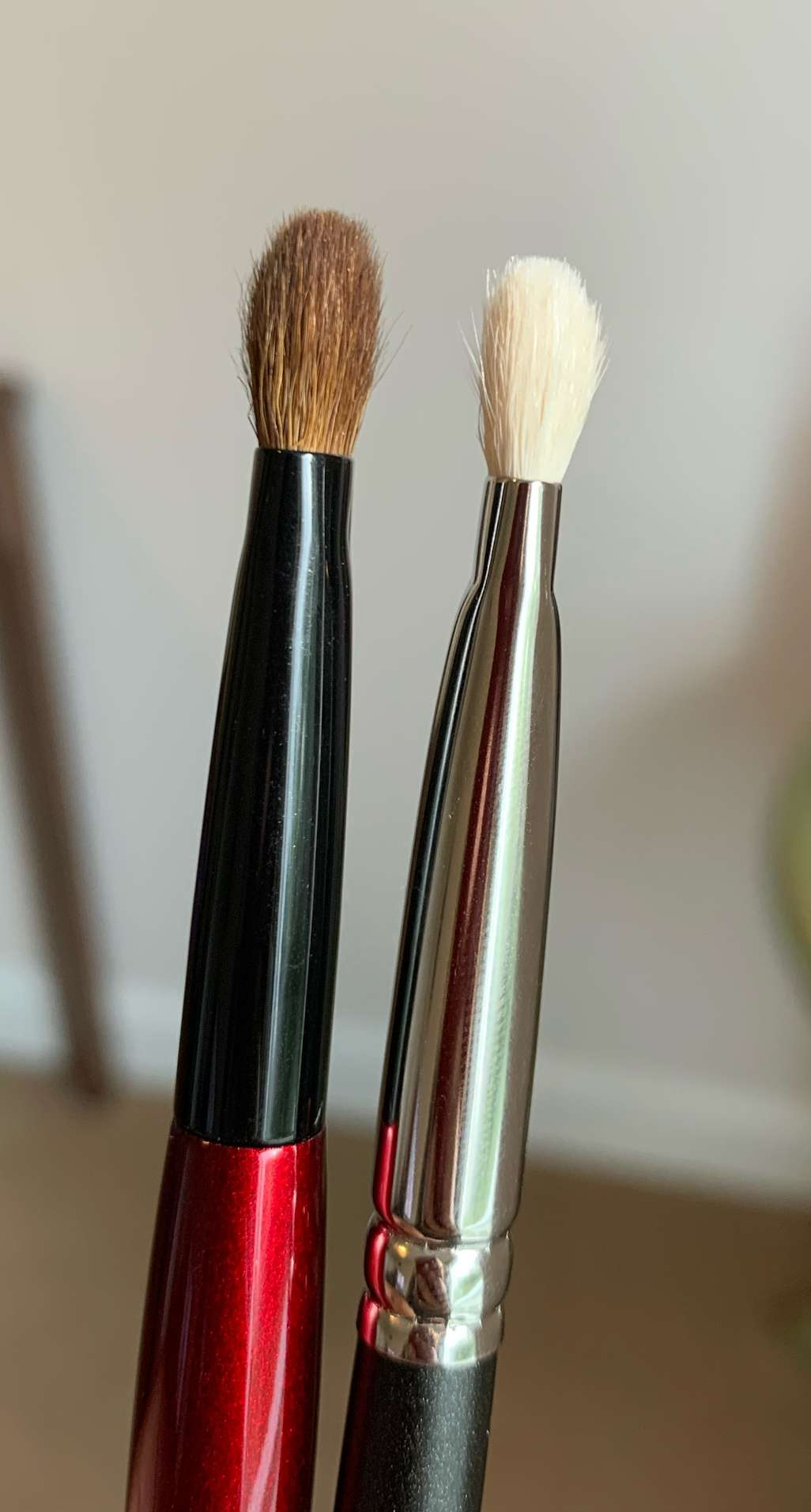 Sonia G Builder Pro Brush (left) and MAC 239 (right) Review